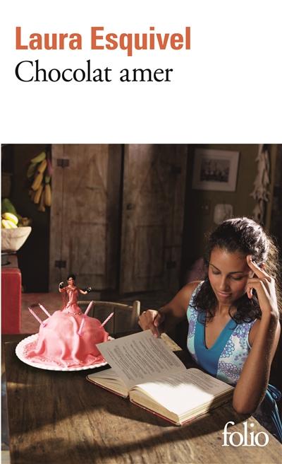 Chocolat amer : roman-feuilleton où l'on trouvera des recettes, des histoires d'amour et des remèdes de bonne femme / Laura Esquivel | Esquivel, Laura (1950-....). Auteur